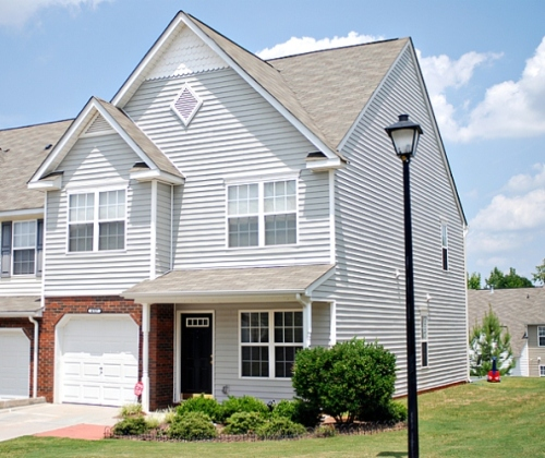 Front_of_home-web