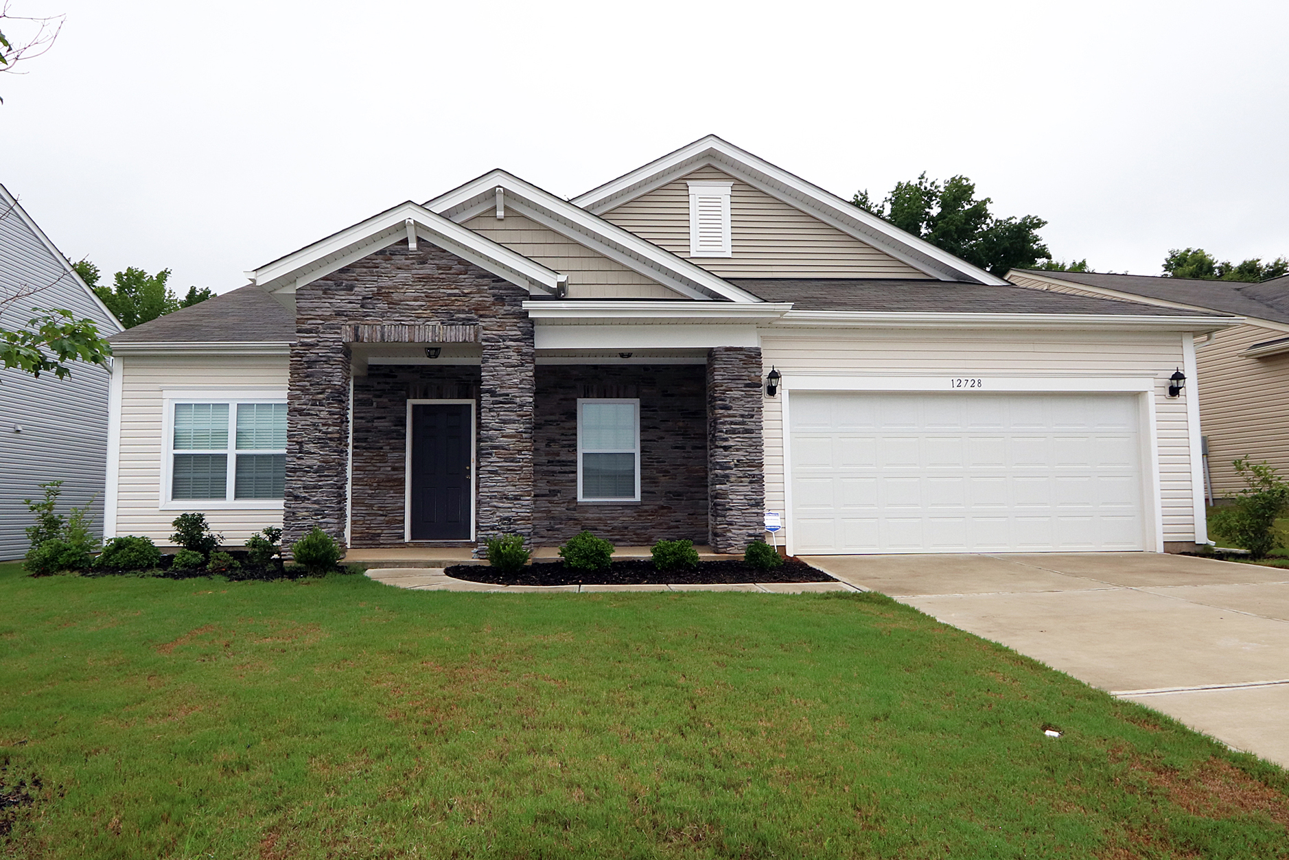 Just listed by don anthony realty 4 bedroom 2 5 bath home - 5 bedroom houses for sale in charlotte nc ...