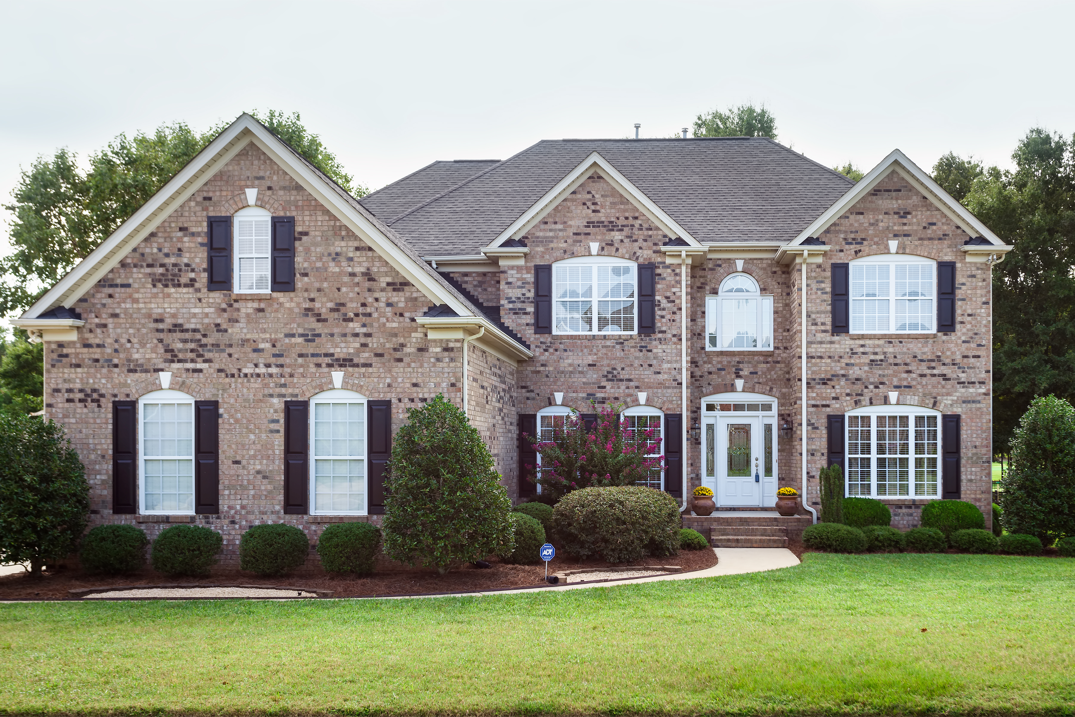 Just Listed By Don Anthony Realty 5 Bedroom 4 Bath Home For Sale In Matthews Nc In Emerald